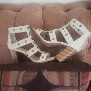 New Sexy Sandal pumps By Simply Vera Vera Wang